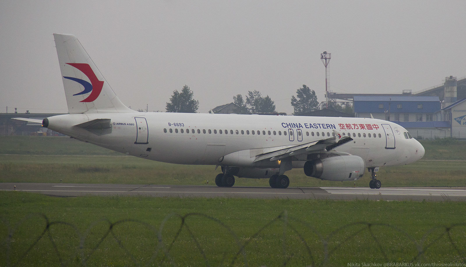 B-6693_China_Eastern_A320_2.jpg.55e3856ccceb51753432e04a44f53350.jpg